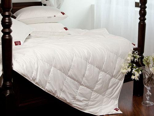 Всесезонное одеяло 200×220 см Non-Allergenic Premium Grass