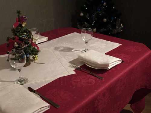 Скатерть с салфетками Новогодняя 140х250 см
