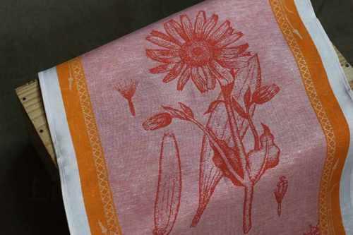 Кухонное полотенце с красным рисунком Арника 50х70 см