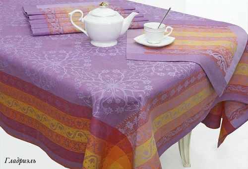 Фиолетовая скатерть с салфетками Гладриэль 180х255 см