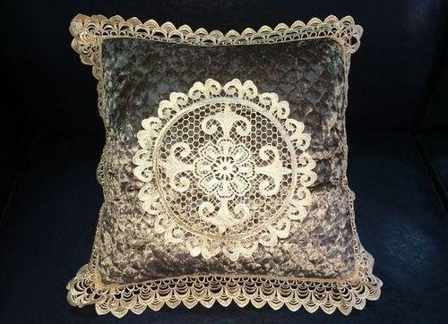 Декоративная наволочка с вышивкой Tango 7025-03