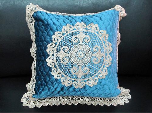 Декоративная наволочка с вышивкой Tango 7025-06