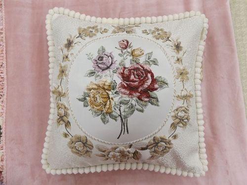 Декоративная наволочка Kazanova Гобелен Мирабель (молоко)