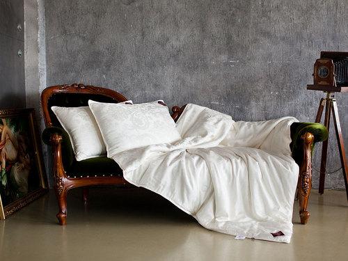 Всесезонное одеяло 220×240 см Luxury Silk Grass
