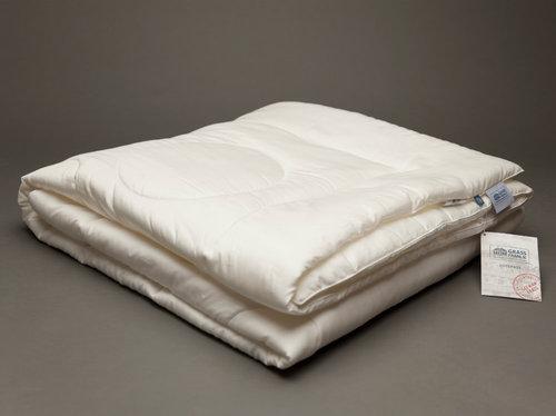 Всесезонное стеганое одеяло с кантом 200х220 Tencel Familie Bio