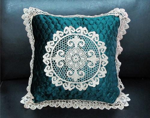 Декоративная наволочка с вышивкой Tango 7025-07