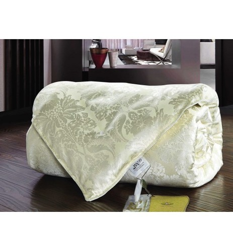 Всесезонное бежевое шелковое одеяло SL 172х205 см
