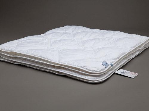 Легкое стеганое одеяло 200х220 Bamboo Familie Bio