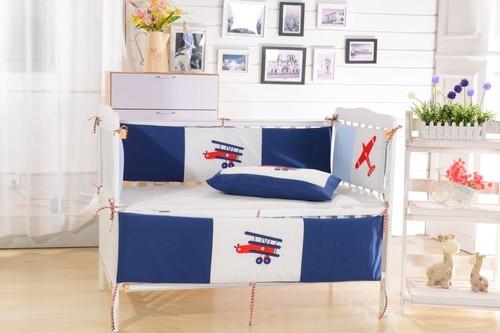 Комплект в детскую кроватку Valtery DK-08