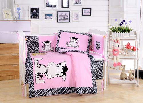 Комплект в детскую кроватку Valtery DK-10