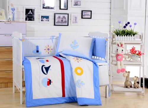 Комплект в детскую кроватку Valtery DK-13