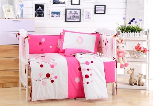 Комплект в детскую кроватку Valtery DK-22