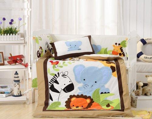 Комплект в детскую кроватку Valtery DK-25