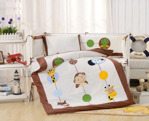 Комплект в детскую кроватку Valtery DK-26
