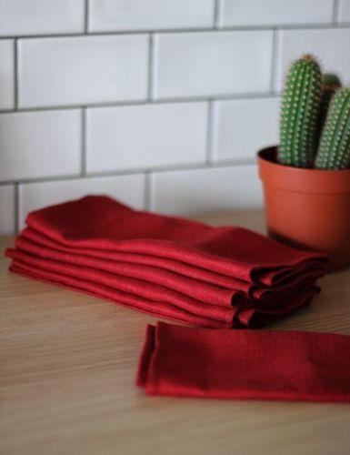 Сервировочная салфетка красная Ёлочка 45х45 см
