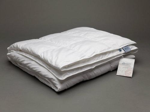 Всесезонное стеганое одеяло 200х220 Premium Familie Non-Allergic