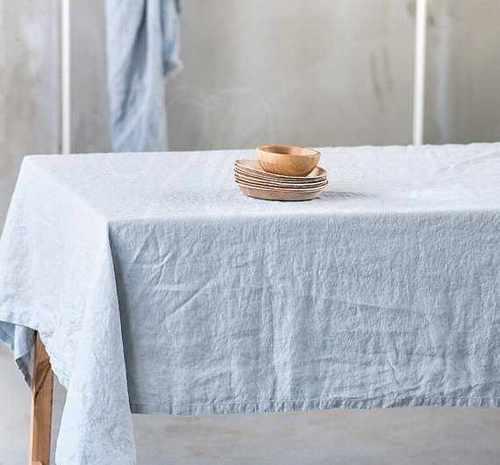 Скатерть Холодное небо мягкая Soft Linen 150х150 см